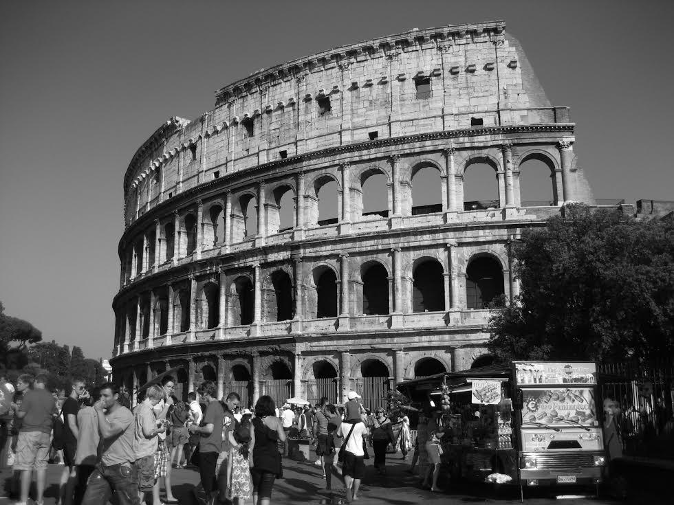 Good Roman Ruins black and white